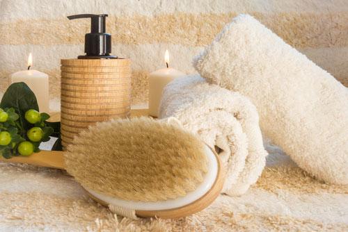 massage anti cellulite, brosse sèche